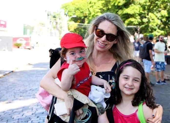 Verônica com seus filhos